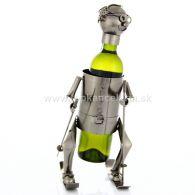98168 Kovový stojan na víno, motív lyžiar