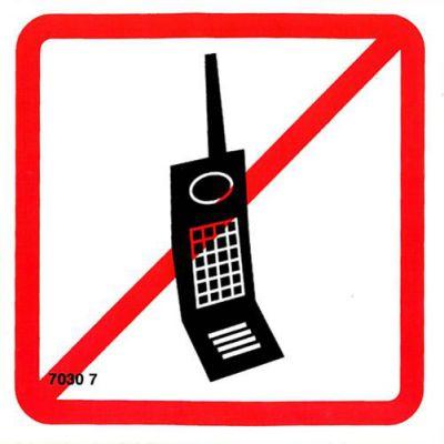 7030 7 S Zákaz vstupu s mobil.tel. ( pictogram ) 10 x 10cm samolepka